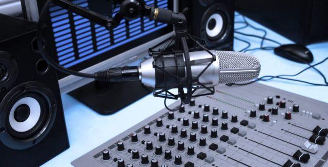 210398-o-que-e-uma-web-radio-descubra-aqui-1000x508